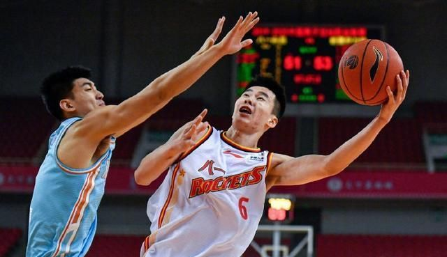 二十岁中国篮球天才被封杀?CBA官方不回应,被困在丑闻中被遗忘了